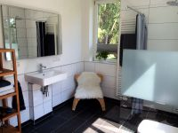 l-Innen-Badezimmer